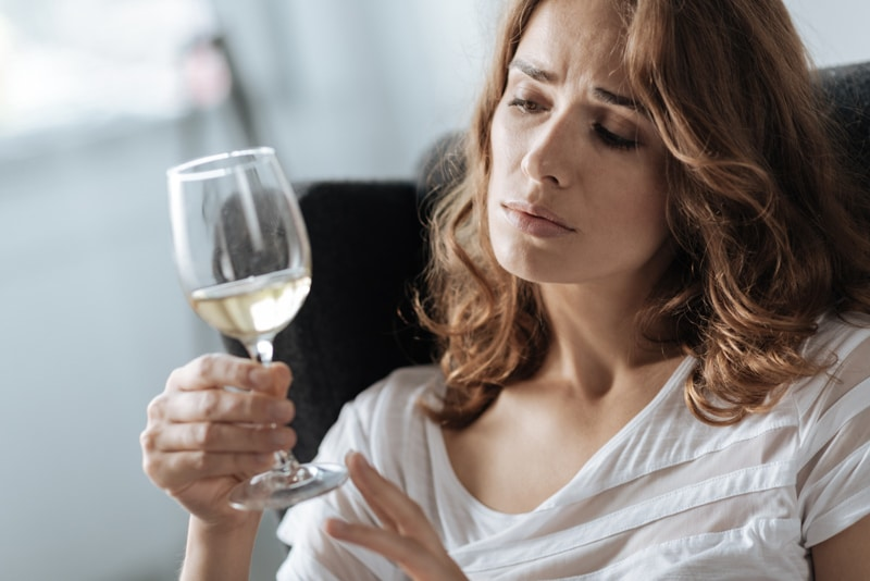 7 Common Traits of an Alcoholic